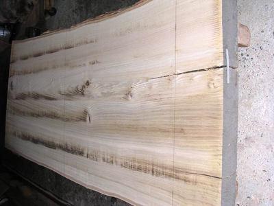 栗足材粗加工出来上がり、木取り