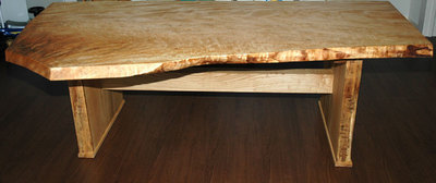 栃無垢耳付き1枚板テーブル完成写真1
