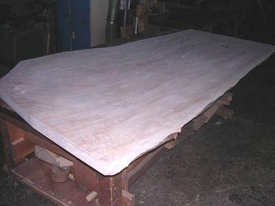 栃テーブル天板木裏粗加工仕上がり